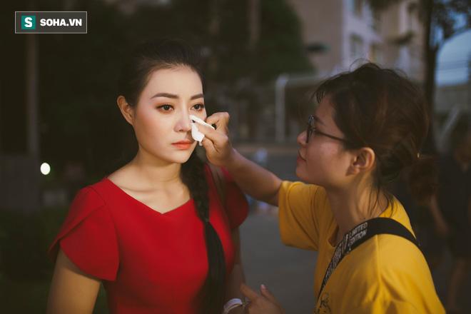 Vỉ thuốc trên xe, ngày ngủ 4 tiếng và cuộc sống đa nhân cách của diễn viên Thanh Hương - Ảnh 21.