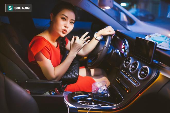 Vỉ thuốc trên xe, ngày ngủ 4 tiếng và cuộc sống đa nhân cách của diễn viên Thanh Hương - Ảnh 27.